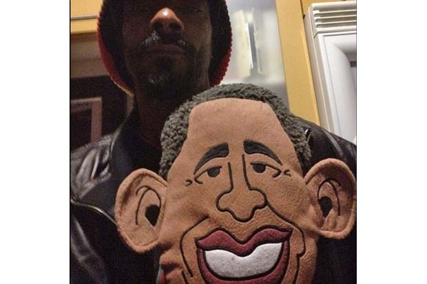 Rapper Snoop Dogg tweeted this picture in support of Obama