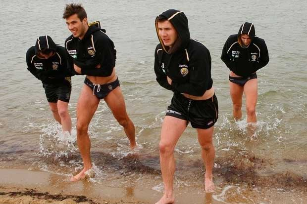 Oh Yes, Hot Australian Football Guys In Speedos