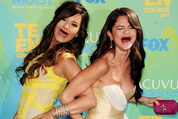 Demi Lovato Naked Se Selena Gomez Lebian