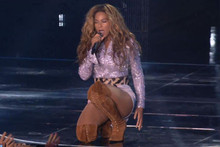 Beyonce Secretly Battled Tonsillitis on Tour