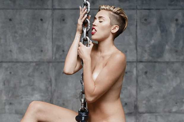 Miley Cyrus Nude In New Music Video