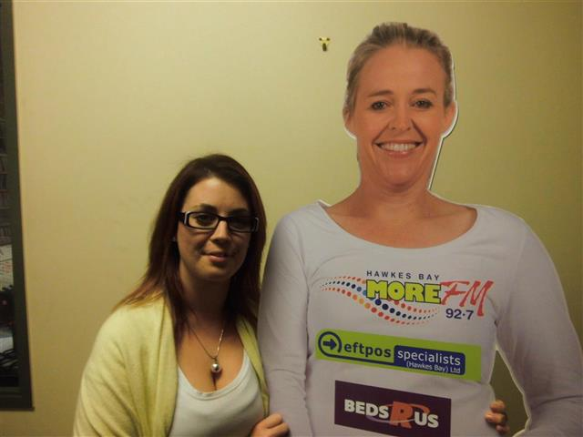 Kirsty Dickinson meets her Beds R Us Amy Cut Out for the first time!  Text LIVE KIRSTY to 559 to vote for Kirsty.  Texts cost 20c. One vote per number per day.