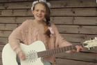 Amazing 11-Year-Old Girl Covers Taylor Swift's 'Shake It Off'
