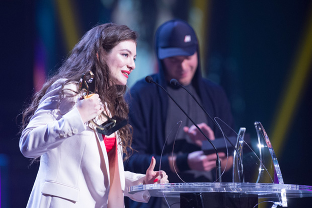 Lorde Takes Six at the 2014 Vodafone New Zealand Music Awards