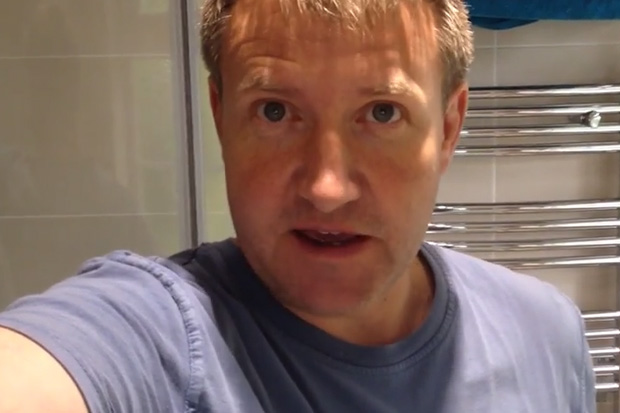 Dad Teaches Kids 'How To Change The Toilet Roll' With Instructional Video
