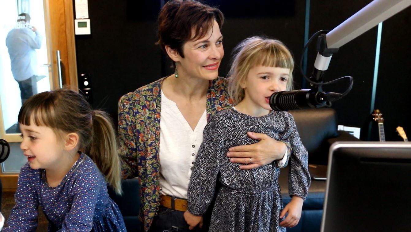 Si & Gary: Gary's children visit the studio & sing for us