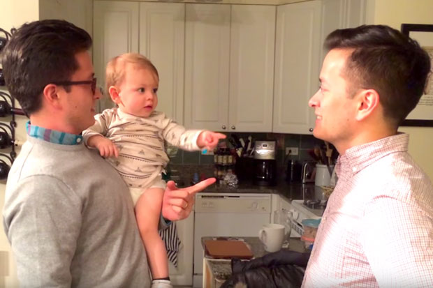 Baby gets confused when he meets his dad's twin