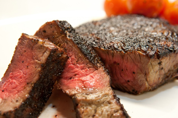 This is how to cook steak with an iron