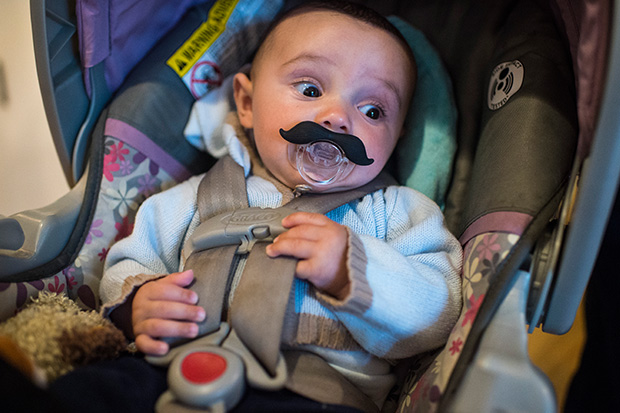 Mum outraged after a total stranger pulls her babies dummy out of his mouth