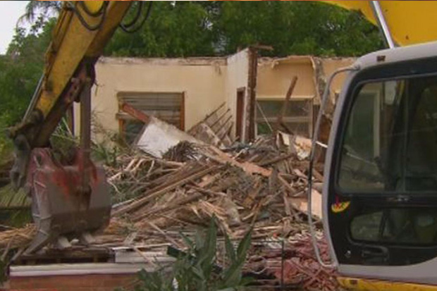 Demolition team accidentally tear down the wrong house.