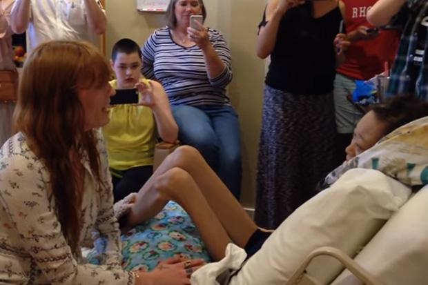 Watch: Florence Welch sings with sick fan