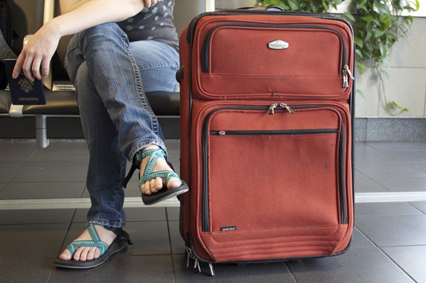 Locking your zippered suitcase is not as secure as you think