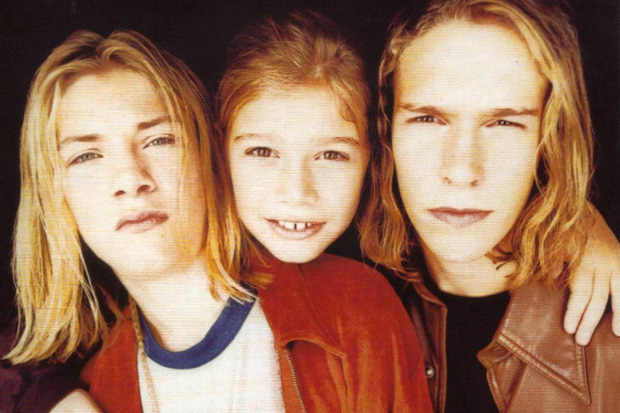 "Hanson find the ""first good 'MMMbop' cover ever"""