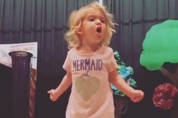 Toddler gives most dramatic rendition of the ABC song