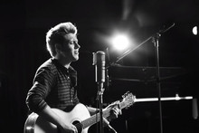 Niall Horan from One Direction has released his first solo song!