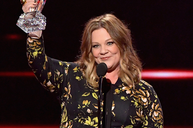 Melissa McCarthy shows off huge weight loss at the People's Choice Awards