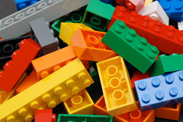 Kiwi mum makes serious cash reselling used Lego