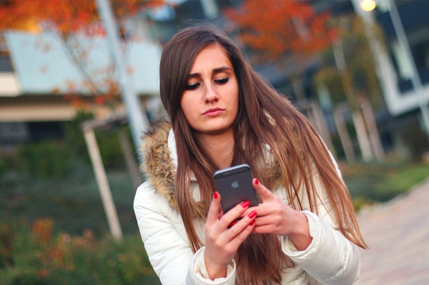 Millennials show signs of 'post traumatic stress disorder' when separated from their phone says new study