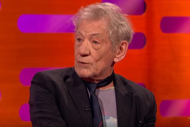 Sir Ian McKellen tried to explain the power of the 'pounamu' at the Oscars